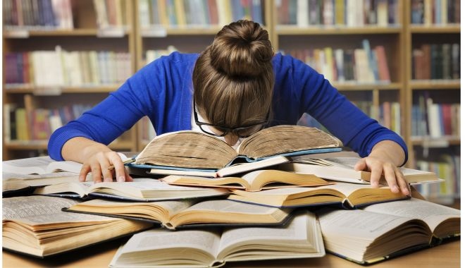 Foto: Gata vacanţa, vin examenele!