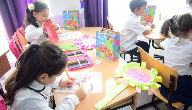 Foto: Clasa zero la o şcoală de fiţe sau o şcoală de cartier?