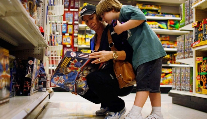 Foto: Amenzi uriaşe la comercianţii de jucării. Ce nereguli au găsit comisarii OPC