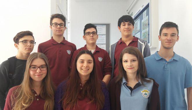 Foto: 18 elevi ai Liceului Internațional  de Informatică din Constanţa,  calificaţi la olimpiade naționale
