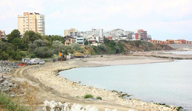 Foto: Prostie sau sabotaj? Cine distruge litoralul românesc