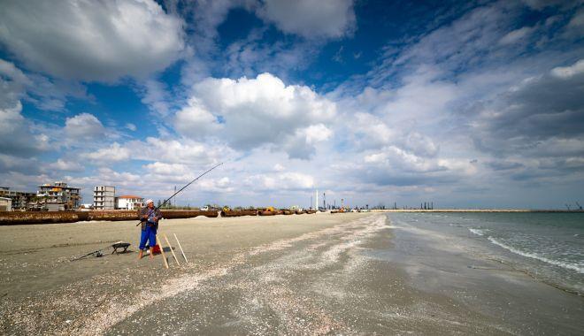 Renasc plajele. Lucrări de înnisipare şi diguri noi, pe litoral - fotofondlucrariplaje3-1601830050.jpg