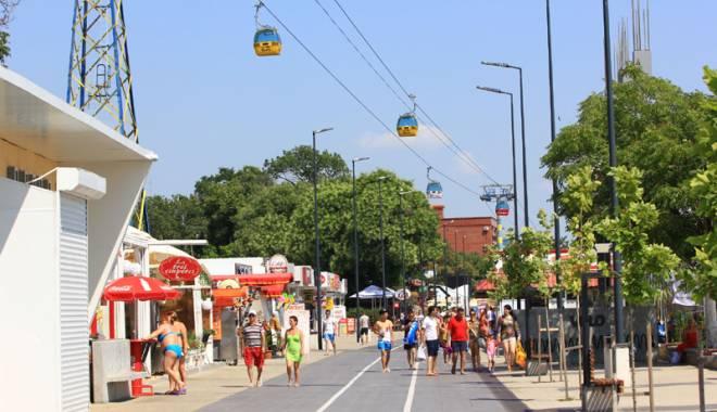 Foto: În Mamaia, ca-n... Germania! Program strict la beach-baruri şi fără comerţ ambulant