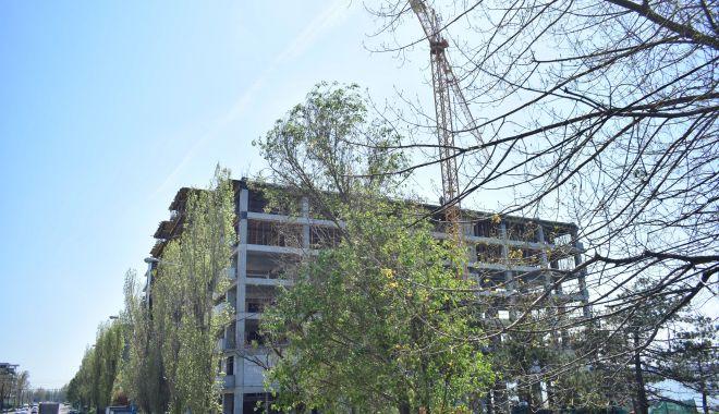 Blocuri de 8 şi 11 etaje în buricul staţiunii Mamaia. Cine mai construieşte la malul mării - fotofondmamaia1-1556032356.jpg