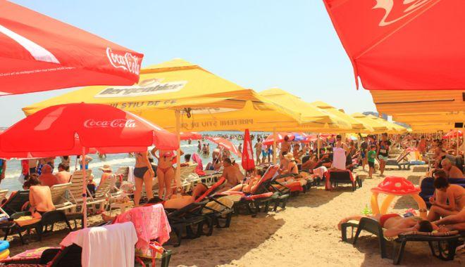 Lovitură pentru constănţeni şi turişti: şezlonguri pe toate plajele reabilitate de pe litoral - fotofondmamaia11-1524759526.jpg