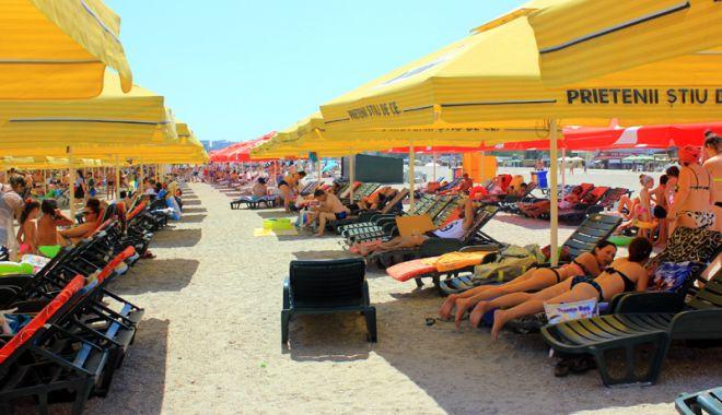 Lovitură pentru constănţeni şi turişti: şezlonguri pe toate plajele reabilitate de pe litoral - fotofondmamaia15-1524759565.jpg