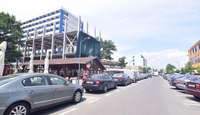 Blocuri de 8 şi 11 etaje în buricul staţiunii Mamaia. Cine mai construieşte la malul mării - fotofondmamaia3-1556032441.jpg