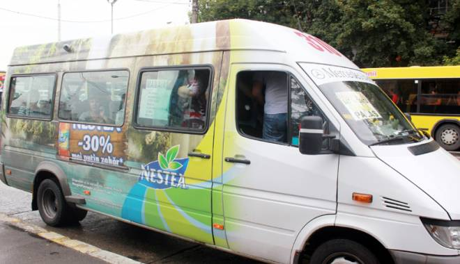 Foto: Alo, ANAF? Cine protejează din umbră afacerea cu microbuze maxi-taxi