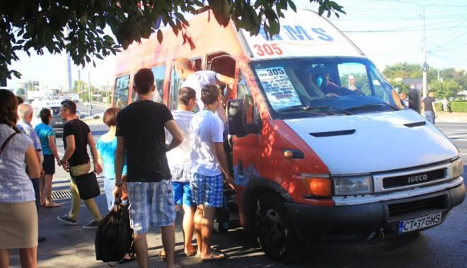 Foto: Călătorie de groază cu maxi-taxi. Evaziunea fiscală, ce glumă bună!