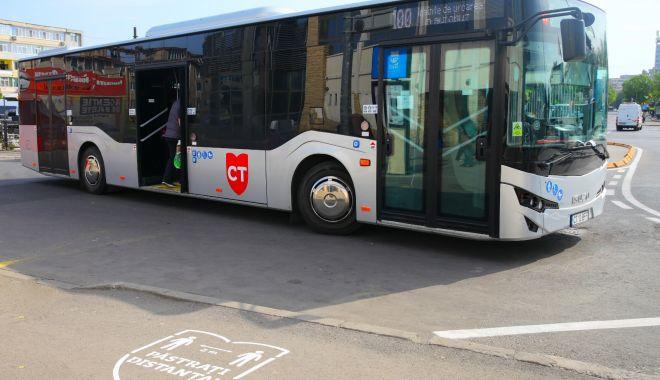 """Foto: Numărul autobuzelor CT Bus, suplimentat. """"Se verifică dacă toți călătorii poartă mască!"""""""