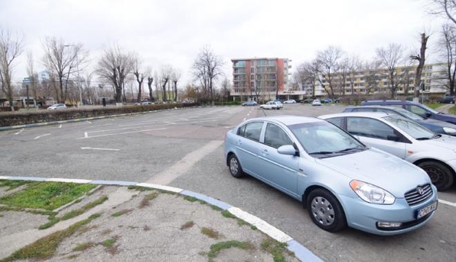 Foto: Dispare încă o parcare din Mamaia! Cine a mai pus de-o afacere imobiliară