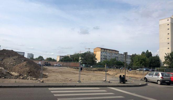 Trist. Constanța, orașul în care parcările devin… supermarketuri! - fotofondparcari116-1563204276.jpg