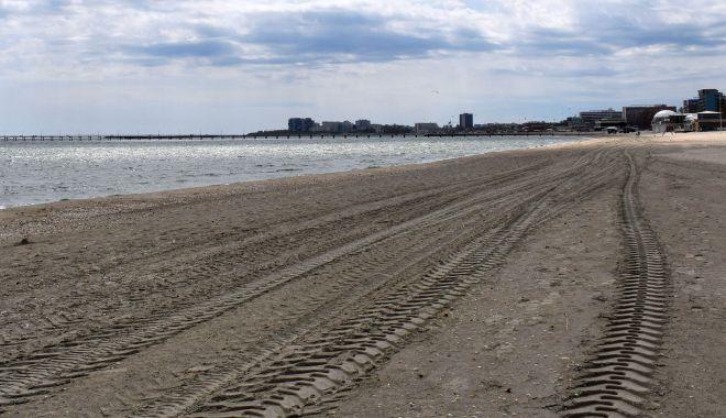 Foto: Plajele de pe litoral, curățate de construcțiile ilegale. Mai mulți operatori - amendați!