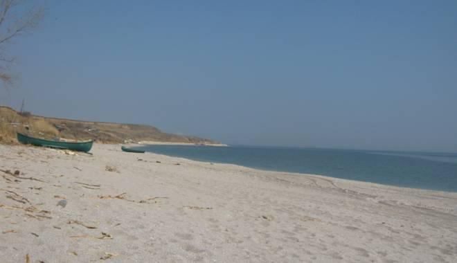 Dispar plajele sălbatice de pe litoral. Vor fi introduse în circuitul turistic - fotofondplaja1-1453742092.jpg