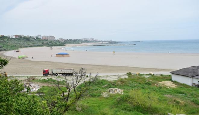 Plaja Modern intră în secolul XXI! Au fost dărâmate clădirile ceauşiste şi a început reamenajarea zonei - fotofondplaja3-1494762052.jpg