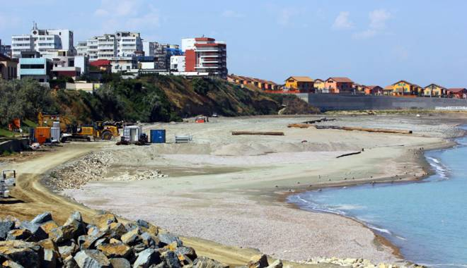 Spectaculos. Plaja Tataia a renăscut la Constanţa - fotofondplajatataiaazi-1440435307.jpg