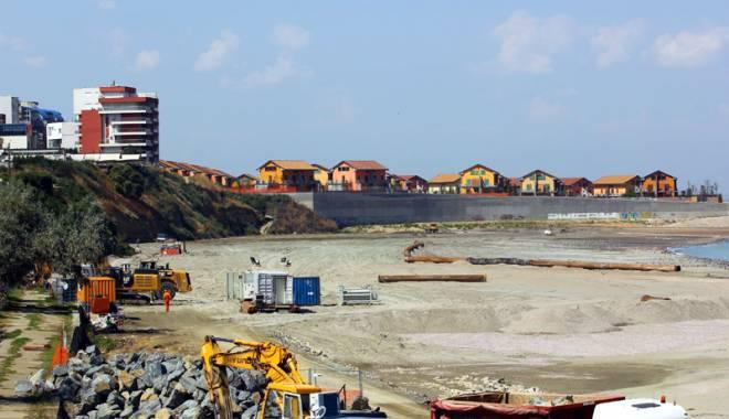 Spectaculos. Plaja Tataia a renăscut la Constanţa - fotofondplajatataiaazi1-1440435281.jpg