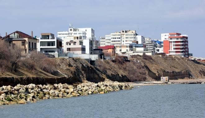 Spectaculos. Plaja Tataia a renăscut la Constanţa - fotofondplajatataiainainte2-1440435317.jpg