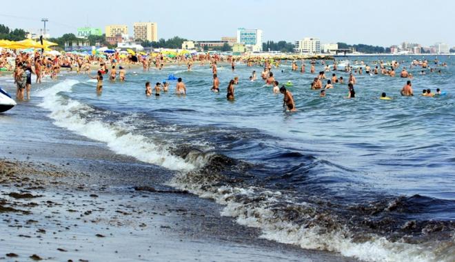 Foto: Mamaia şi sudul litoralului, plaje de mâna a doua. Bulgaria şi Grecia ne dau clasă