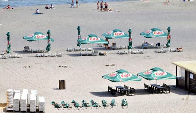 Foto: A fost bătaie pe plajele din Năvodari şi Mamaia. Pe mâna cui au încăput şi de ce hotelierii protestează