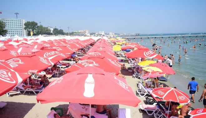 Foto: Plajele de pe litoral, controlate  de samsari. Hotelierii sunt revoltaţi