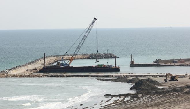 Foto: Plajele de pe litoralul românesc, reabilitate doar cu planuri  şi promisiuni