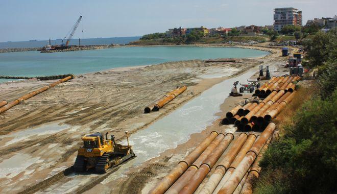 Foto: Plaje ca la Miami pe litoralul românesc.  Se refac digurile și se lățesc porțiunile  cu nisip la Mamaia şi Eforie