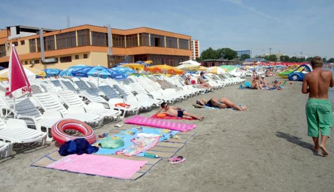 Foto: 40 de subsectoare de plajă, scoase la licitaţie la începutul lui mai