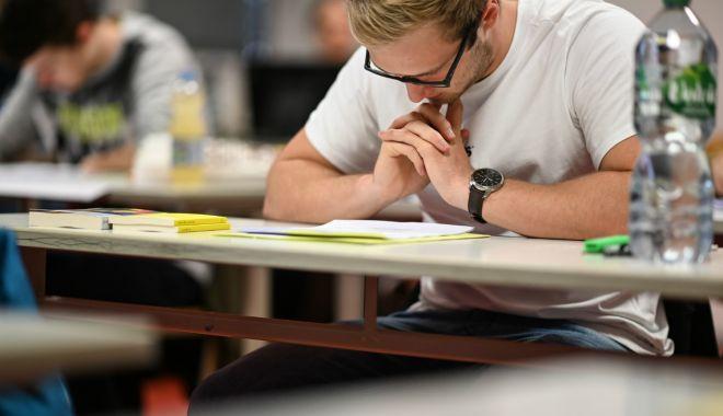 Pregătirea pentru examenele naționale, în linie dreaptă. Au fost publicate modelele de subiecte - fotofondpregatireexamene1-1573508242.jpg