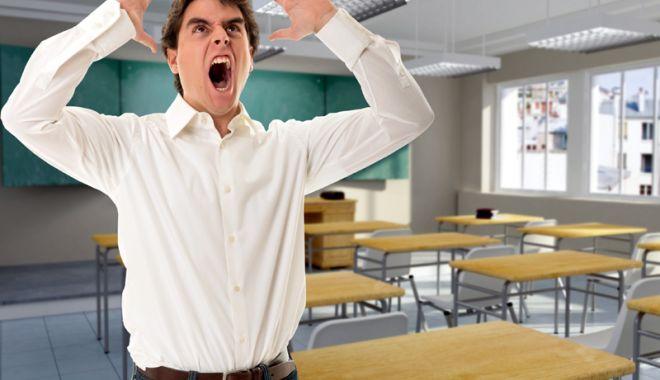"""Foto: Pe cine trimitem la catedră? """"Dacă testele psihologice s-ar face serios, mai mult de 30% din profesori ar pica!"""""""