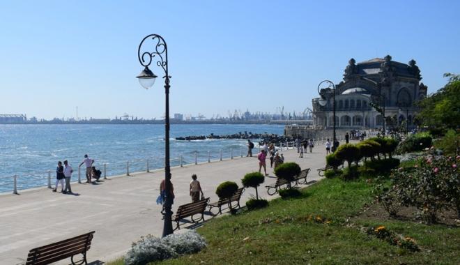 Ce planuri are Primăria Constanţa. Parc costier, promenade pe malul mării şi parcuri în Portul Constanţa - fotofondpug1-1510767286.jpg