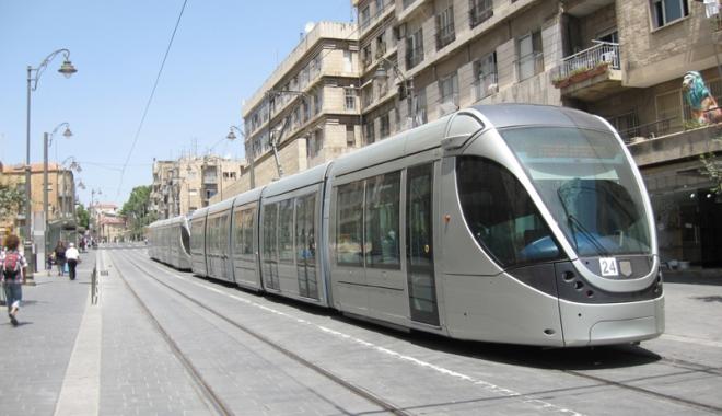 Foto: Proiecte SF? Parcări Park&Ride, tramvaie uşoare şi trotuare reabilitate în Constanţa