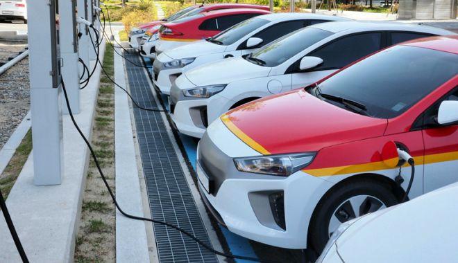 Foto: Vrei o maşină electrică? Iată câţi bani îți dă statul