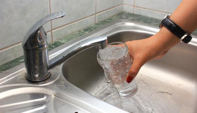 Foto: Tariful la apă potabilă perceput de RAJA SA, pe locul 15 la nivel naţional