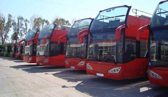 Foto: Portul, Constanţa şi Mamaia, văzute  din autobuzele etajate. CiTy Tour la doar trei lei