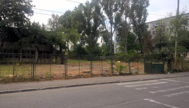 Un nou tun imobiliar la Constanţa! Au ras două grădini pentru a ridica blocuri - fotofondsantiercorbului1-1503419155.jpg