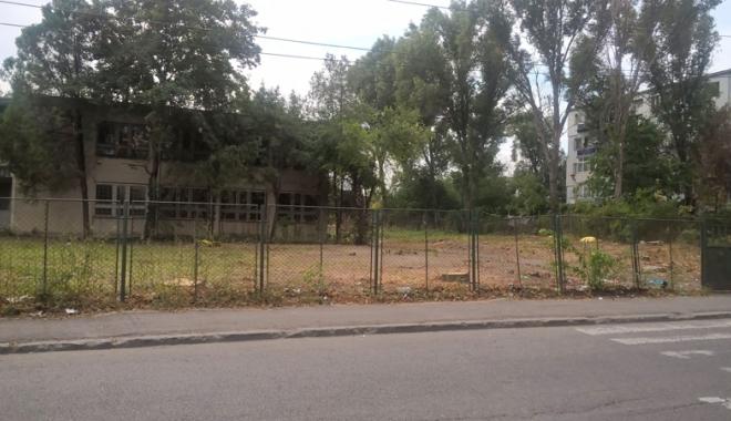 Un nou tun imobiliar la Constanţa! Au ras două grădini pentru a ridica blocuri - fotofondsantiercorbului2-1503419165.jpg