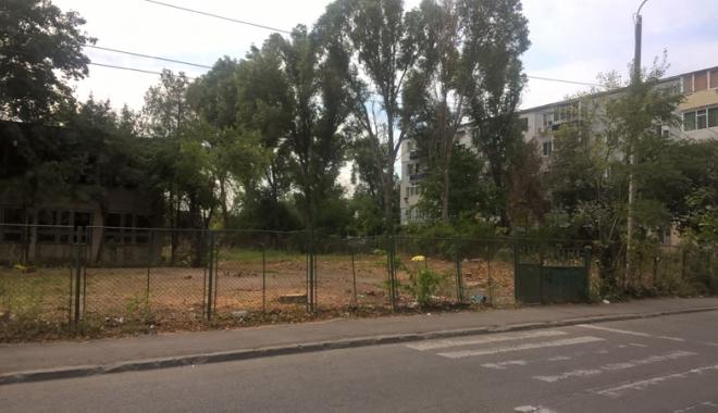 Un nou tun imobiliar la Constanţa! Au ras două grădini pentru a ridica blocuri - fotofondsantiercorbului5-1503419199.jpg