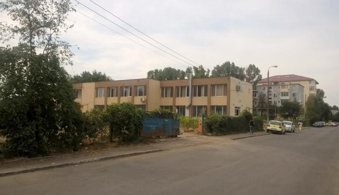 Un nou tun imobiliar la Constanţa! Au ras două grădini pentru a ridica blocuri - fotofondsantiercorbului9-1503419239.jpg
