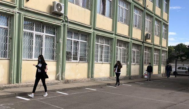 Școală în vremea pandemiei.