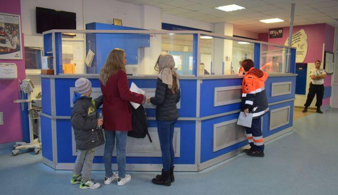 Foto: Situaţie gravă la Constanţa. Sute de copii bolnavi, internaţi în spital