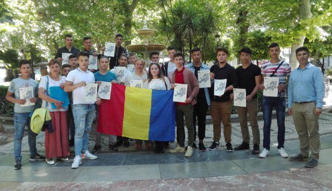 Foto: Stagii de practică în străinătate pentru elevii Liceului