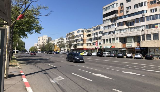 Străzi pline de oameni, la Constanța.