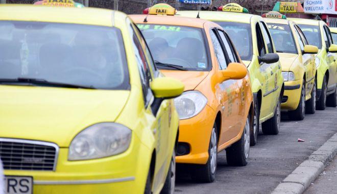 """Foto: Regulament draconic. """"Toţi gherţoii sunt taximetrişti. Se comportă și miros urât!"""""""