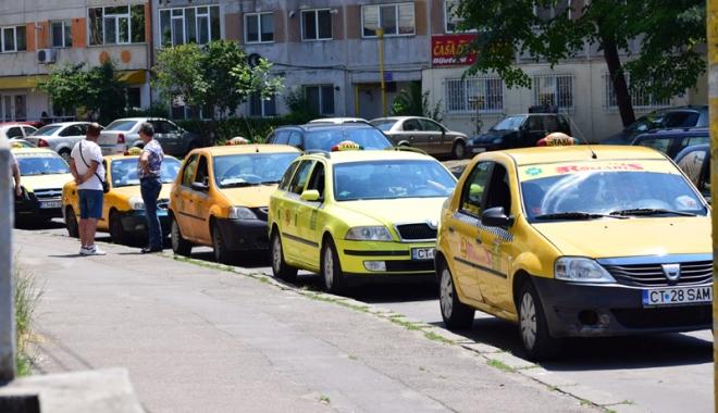 """Foto: A început sezonul """"ţepelor"""" cu taximetrişti! Atenţie în ce maşină vă urcaţi!"""