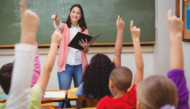 Foto: Paradoxul din învăţământul constănţean: posturi multe, dar rezervate, candidaţi puţini