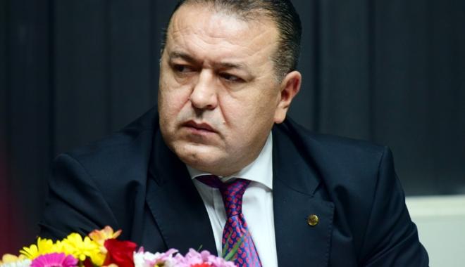 Foto: Turismul la negru este în floare. Preşedintele CCIR, Mihai Daraban, propune impozitarea exponenţială a proprietarilor de vile
