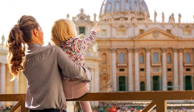 Foto: Ţepe cu vacanţe! Multe agenţii de turism rămase fără licenţă au reapărut online
