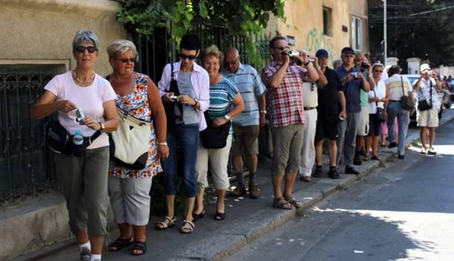 Foto: Cine ţine pe loc turismul  cultural şi istoric din Constanţa