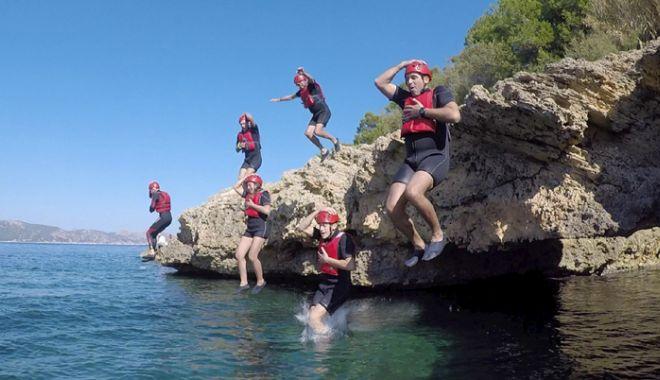 Foto: Turismul de aventură, o şansă  pentru prelungirea sezonului estival